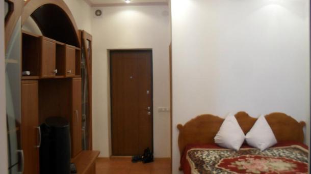 Однокомнатная квартира-большая.Ленинградская 58