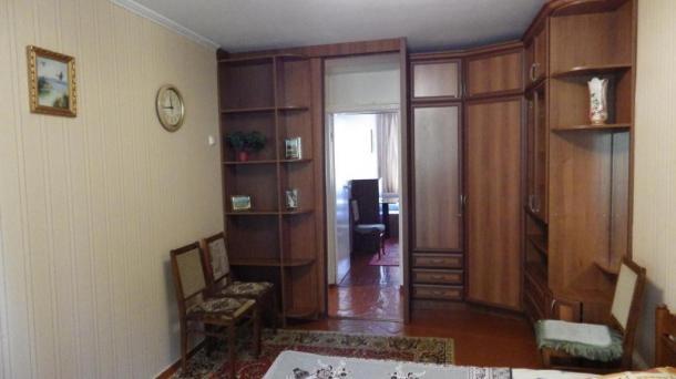 Двухкомнатная квартира на Соловьёва 12